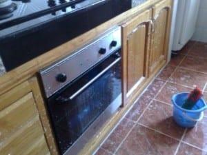 اسهل طريقة لتنظيف المطبخ بالدمام